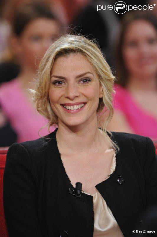Judith El Zein lors de l'enregistrement de l'émission  Vivement dimanche  le 11 avril 2012
