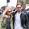 Kate Bosworth et Michael Polish forment un couple stylé pour le premier jour du Festival de Coachella. Indio, le 13 avril 2012.