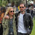 Kate Bosworth et Michael Polish en mode tendresse lors du Jour 1 du Festival de Coachella. Indio, le 13 avril 2012.