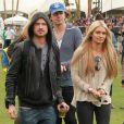Aaron Paul et sa fiancée Lauren Parsekian au festival de Coachella. Le 13 avril 2012.