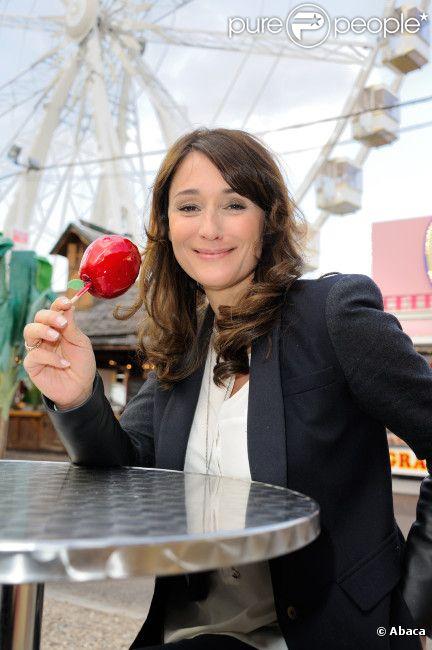L'animatrice Daniela Lumbroso, marraine de la Foire du Trône, inaugure une place à son nom, le 13 avril 2012 à Paris