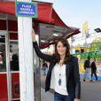 La charmante Daniela Lumbroso, marraine de la Foire du Trône, inaugure une place à son nom, le 13 avril 2012 à Paris