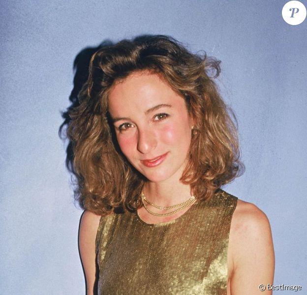 Jennifer Grey, en novembre 1987, est alors âgée de 27 ans et respire la fraîcheur.