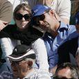 Athina Onassis en toute tendresse avec son mari Doda (Alvaro de Miranda Neto) lors de la demi-finale Djokovic-Berdych au Rolex Masters 1000 de Monte-Carlo, à Roquebrune-Cap-Martin, le 21 avril 2012.