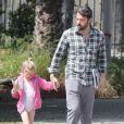 Ben Affleck va chercher son adorable Violet à son cours de danse, à Los Angeles, le 21 avril 2012
