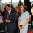 Le prince William et Kate Middleton, duc et duchesse de Cambridge, à la première du documentaire  African Cats  réalisé par Guy Ritchie et narrée par Patrick Stewart au profit du Tusk Trust dont le prince de Galles est le parrain. A Londres, le 25 avril 2012.