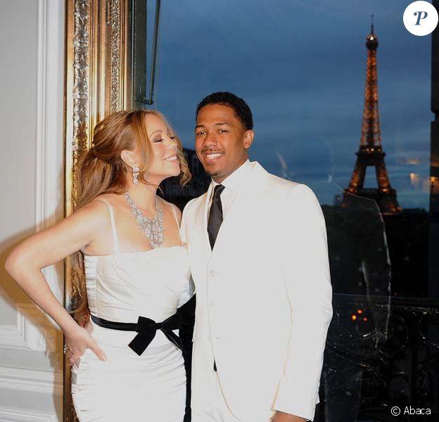 Mariah Carey et Nick Cannon dans leur suite du Plaza Athénée, à Paris, le 27 avril 2012.