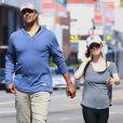 Eliza Dushku et son homme Rick Fox s'offrent une petite promenade en amoureux dans les rues de West Hollywood le 17 mai 2012