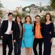 Melvil Poupaud, Nathalie Baye, Suzanne Clément et Monia Chokri ont posé avec le réalisateur Xavier Dolan pour la présentation de  Laurence Anyways  au Festival de Cannes le 19 mai 2012.