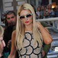 Paris Hilton quitte le luxueux hôtel Carlton à Cannes, avec son ami Jean-Roch, le samedi 19 mai 2012.