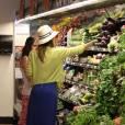 Jessica Alba, toujours stylée, fait quelques courses dans un supermarché de Los Angeles, le 20 mai 2012.
