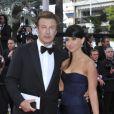 Alec Baldwin et Hilaria Thomas lors de la montée des marches pour le film Mud au Festival de Cannes le 26 mai 2012