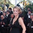 Virginie Efira lors de la montée des marches pour le film Mud au Festival de Cannes le 26 mai 2012