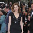 Emmanuelle Devos, représentante de l'élégance française au Festival de Cannes 2012.