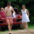 Kaka et sa femme Caroline Celico Noronha en vacances vont à la plage de Fernando de Noronha, au Brésil le 30 mai 2012