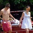 Kaka et sa femme Caroline Celico Noronha en vacances sur la plage de Fernando de Noronha, au Brésil le 30 mai 2012