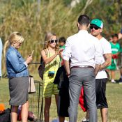 Reese Witherspoon, son mari et son ex Ryan Phillippe pour le match de son fils