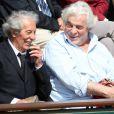 Jean Rochefort et Jacques Weber avant le match entre Jo-Wilfried Tsonga et Novak Djokovic en quart de finale à Roland-Garros le 5 juin 2012