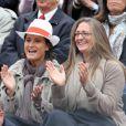 Mary Pierce avant le match entre Jo-Wilfried Tsonga et Novak Djokovic en quart de finale à Roland-Garros le 5 juin 2012