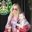 Kimberly Stewart et sa fille Delilah, qu'elle a eue avec Benicio Del Toro, ici à Los Angeles le 3 juin 2012