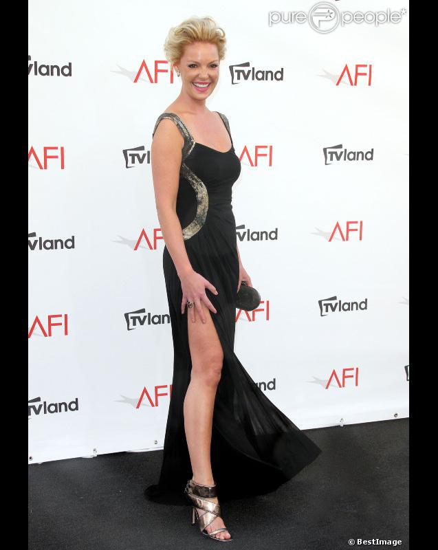 Katherine Heigl à la soirée AFI : Life achievement award, à Culver City le 7 juin 2012. Elle a osé la robe fendue qui dévoile sa jambe.