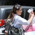 Jessica Alba, entourée de ses proches, fête les quatre ans de sa fille Honor dans le quartier de Brentwood. Los Angeles, le 9 juin 2012.