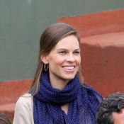 Rolland-Garros 2012 : La pétillante Hilary Swank séduit le public du Central