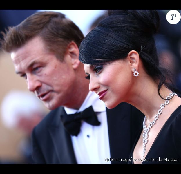Alec Baldwin et sa fiancée Hilaria Thomas à Cannes le 27 mai 2012