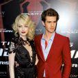 Emma Stone et Andrew Garfield lors de l'avant-première de  The Amazing Spider-Man  à Paris, le 20 juin 2012.