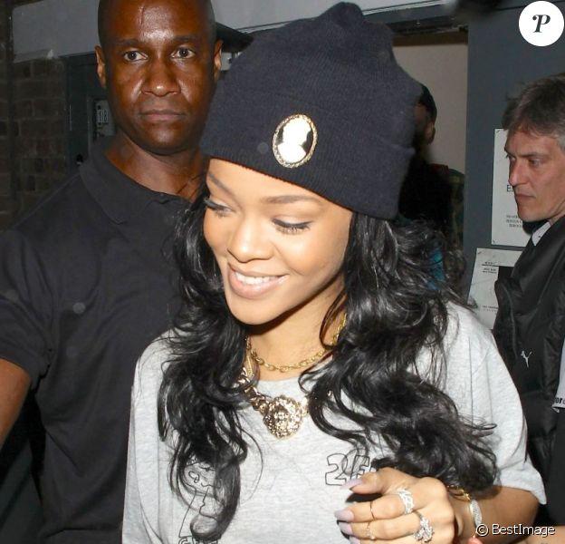Rihanna, tout sourire à la sortie d'un studio d'enregistrement dans East London. Londres, le 20 juin 2012.