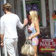 Shauna Sand et son nouveau chéri vont acheter de la Marijuana à Los Angeles le 27 juin 2012
