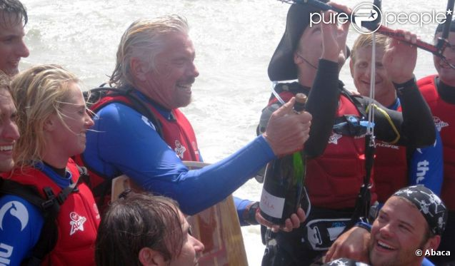 richard branson et son fils sam un exploit en kitesurf attendu depuis deux ans purepeople. Black Bedroom Furniture Sets. Home Design Ideas