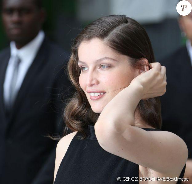 Laetitia Casta à son arrivée au défilé Chanel Haute Couture. Le 3 juillet 2012