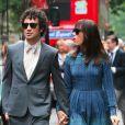 Kristen Wiig et Fabrizio Moretti à la sortie du mariage d'Ellie Kemper, à New York, le 7 juillet 2012.