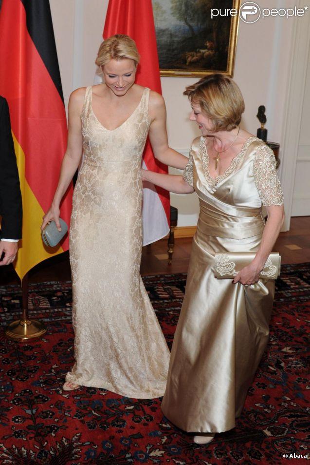 Charlene et daniella schadt taient au diapason c t for Code de robe de mariage de palais de justice