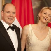 Princesse Charlene : Sirène d'or au bras d'Albert au dîner de gala à Berlin