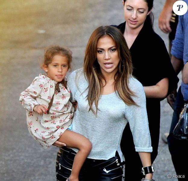 Jennifer Lopez le 22 août 2011 avec sa fille Emme à Los Angeles