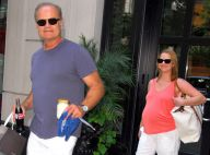 Kelsey Grammer et sa femme Kayte, enceinte de jumeaux, rayonnent