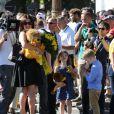 Bradley Wiggins, vainqueur du Tour de France 2012 avec sa femme Cathy et leurs enfants Ben et Isabella lors de la dernière étape le dimanche 22 juillet 2012