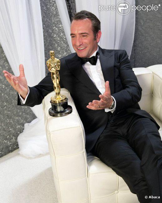 Jean dujardin l 39 homme derri re l 39 oscar de the artist for Oscar jean dujardin