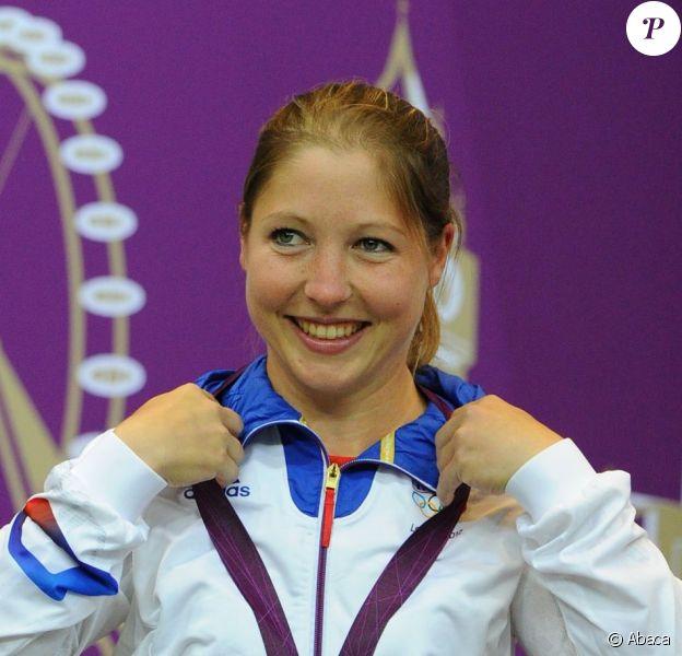 Céline Goberville le 29 juillet 2012 aux Jeux olympiques de Londres, médaillée d'argent en tir