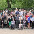 Le prince Harry a posé le 2 août 2012 à Clarence House avec de jeunes médaillés des récents School Games, dont il est président. Une rencontre qu'il a animée de son humour irrésistible, aux dépens notamment du secrétaire d'Etat Jeremy Hunt.