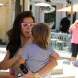 Belle journée pour Kim Kardashian qui a passé le dimanche 5 août avec son neveu, Mason