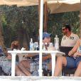 Eduardo Cruz et une jolie jeune femme en vacances à Ibiza le 12 août 2012