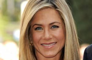 Jennifer Aniston : Sa bague de fiançailles, une émeraude sertie de diamants