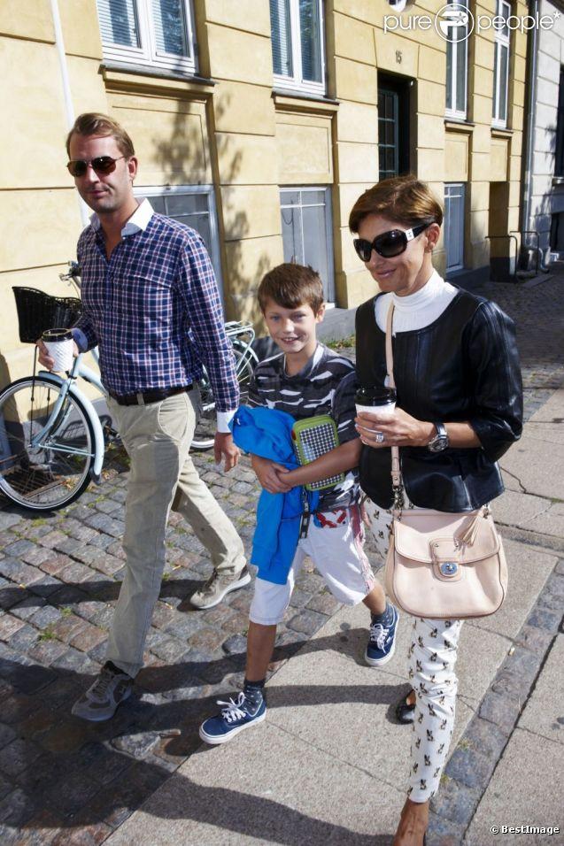 Le prince Felix de Danemark, âgé de 10 ans, a fait le 14 août 2012 sa rentrée en 4e à l'école Krebs de Copenhague, accompagné par sa mère la comtesse Alexandra de Frederiksborg et son beau-père Martin Jorgensen.