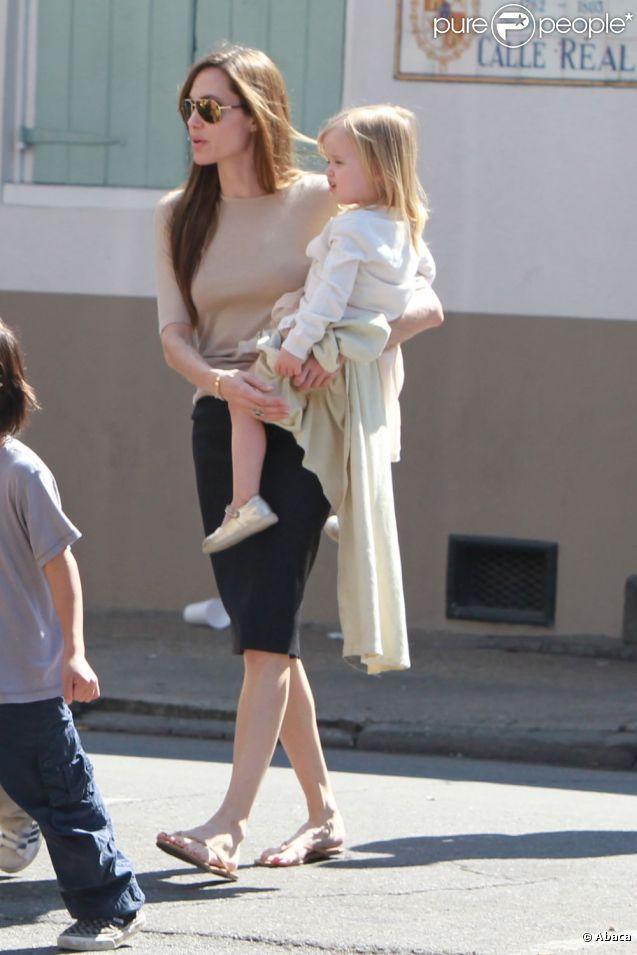 Angelina Jolie et sa fille Vivienne, 4 ans, en mars 2011.