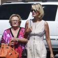 Laeticia Hallyday et sa grand-mère Eliette sont allées faire des courses à Los Angeles, le 9 septembre 2012.