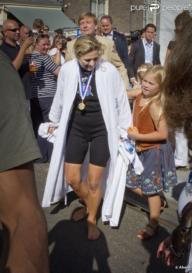 La Princesse Maxima Des Pays Bas Tait Tr S Attendue Par Sa Fille Amalia Apr S Avoir Nag Dans