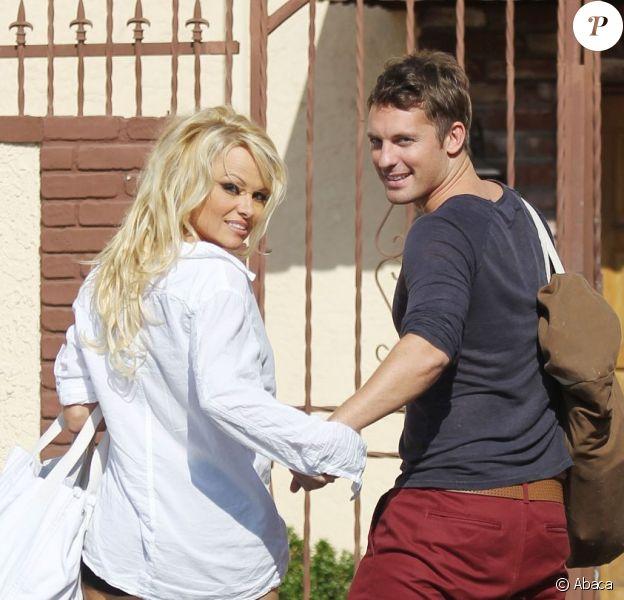 Pamela Anderson avec son coach Tristan MacManus à Los Angeles le 10 septembre 2012